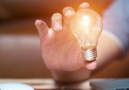 2 Уроки підприємництва, які кожен хотів би знати в свої 20.