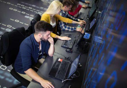 Розробники створили гру-симулятор життя веб-підприємця