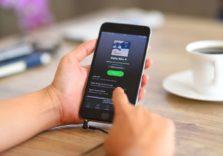 Spotify скаржиться, що Apple витісняє сервіс з ринку стрімінга