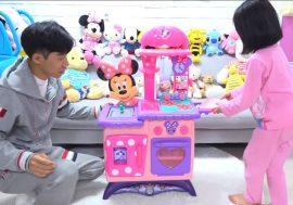 6-річна зірка YouTube, яка веде блог про іграшки, заробила $8 млн на покупку будинку