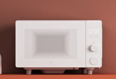Xiaomi розробила розумну мікрохвильовку – нею можна управляти голосом