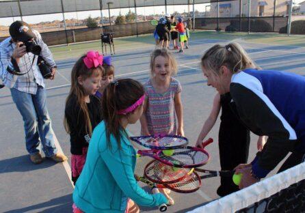 Еліна Світоліна шукає таланти серед юних тенісистів України