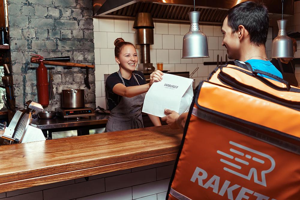 Український сервіс доставки їжі Raketa починає роботу в Києві. Доставка безкоштовна - news, country