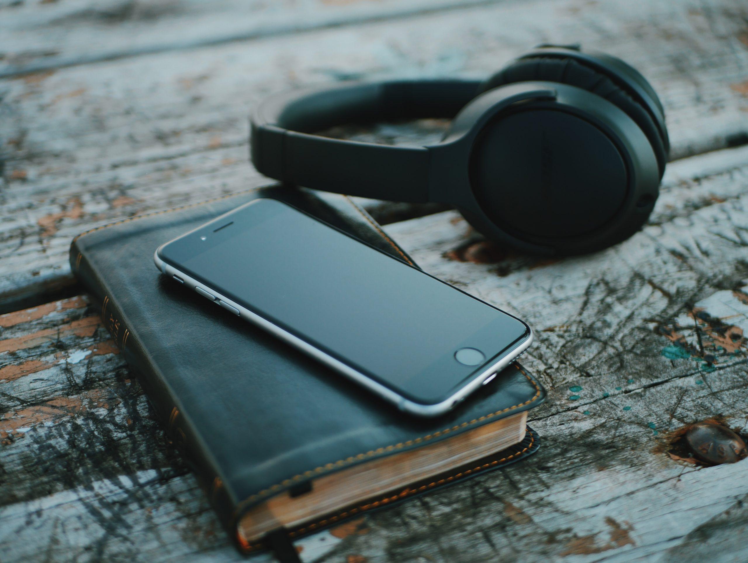 Чому небезпечно використовувати особистий телефон у робочих цілях - career, gadzhety