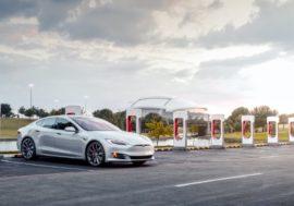 В Україні з'являться три Tesla Supercharger. Запуск – в першому кварталі 2020 року