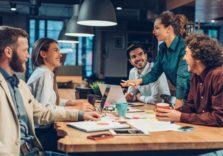 LinkedIn розповів, в яких компаніях співробітники залишаються на 41% довше