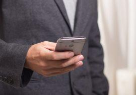 Боїтеся розмовляти по телефону? 4 кроки, як це змінити