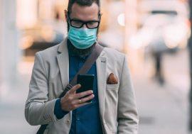 Apple додала в нову версію iOS можливість розблокування телефону в масці