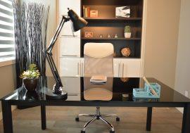 Працюєш вдома? 10 бюджетних способів зробити домашній офіс комфортнішим