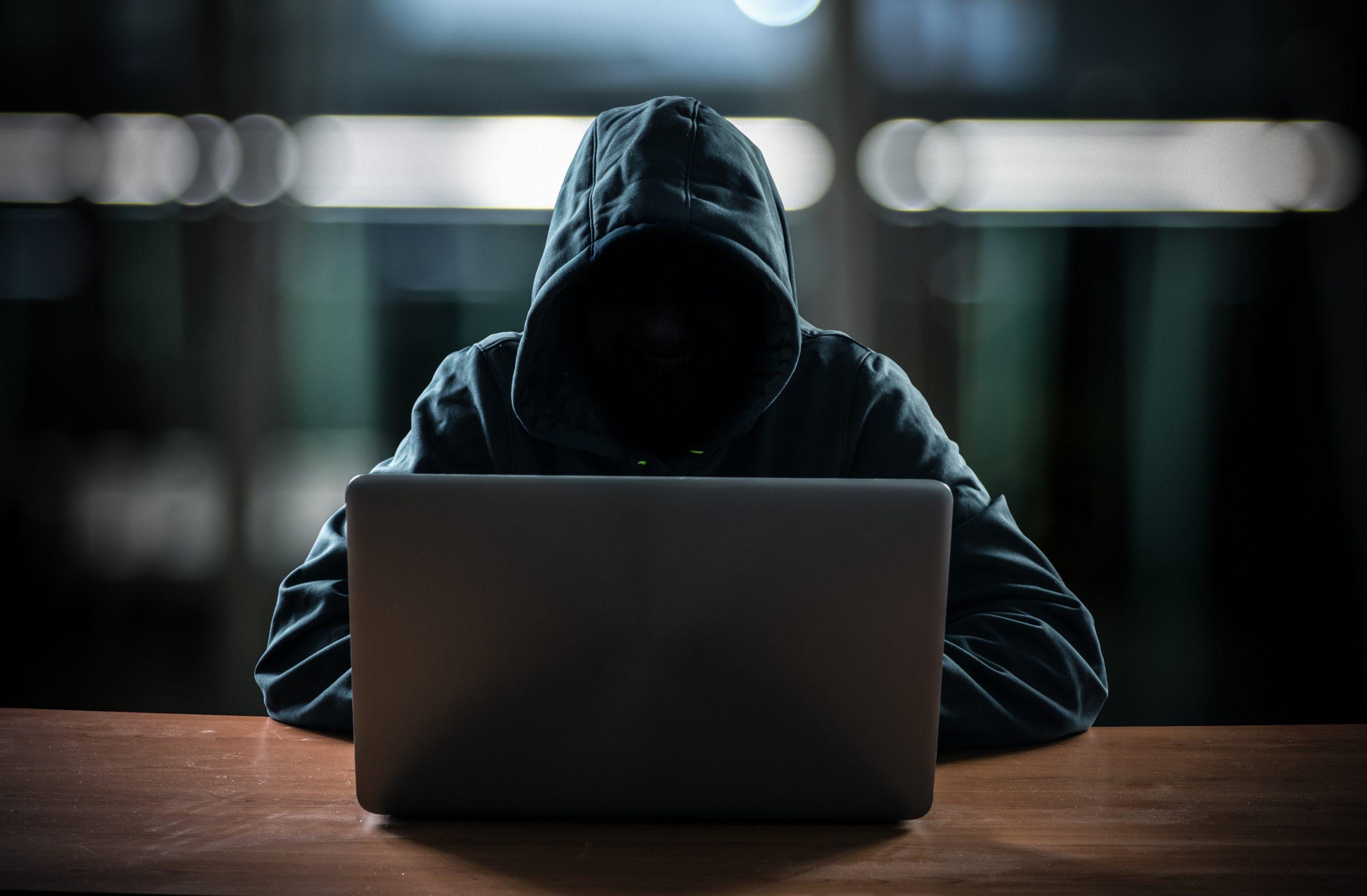 Індійські програмісти замість ШІ та фейки на сайтах знайомств: п'ять прикладів шахрайства у сфері високих технологій - tech, news