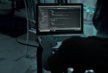 Бій господарям і рабам в програмному коді. Як у світі борються з расизмом в IT