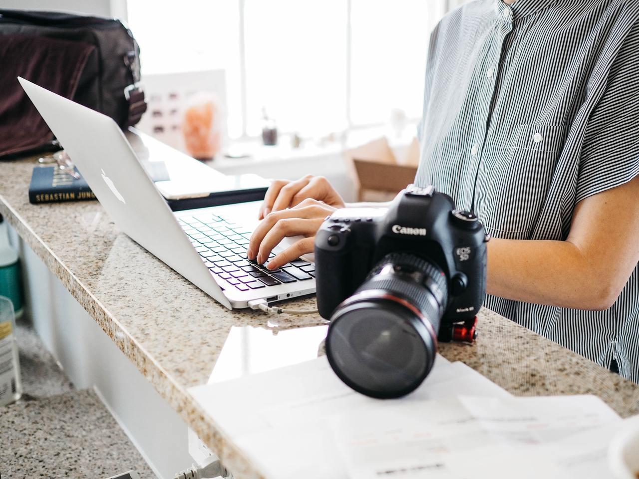 Понад $1000 на фрілансі, фотографуванні та власних сайтах: додатковий заробіток IT-фахівців - tech, news, people, story