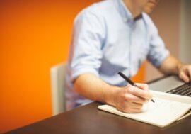 Як рухатися по кар'єрних сходах, якщо ви працюєте віддалено: 7 перевірених порад