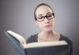 Змінити ставлення до грошей і не збирати борги: ці 9 книг навчать правильно розпоряджатися фінансами
