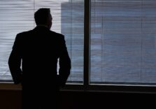Рада прийняла закон про допомогу підприємцям і найманим працівникам. Хто може отримати 8 тис. грн