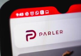 Інтерв'ю з українським розробником Parler – тієї самої соцмережі, яку забанили Apple, Google та Amazon