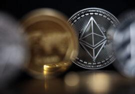 Курс Ethereum перевищив рекордні $1,9 тис.