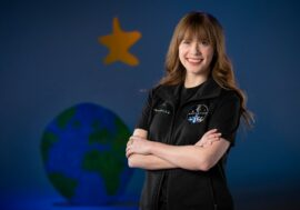 Дівчина, яка у 10 років поборола рак, першою полетить у космос на борту SpaceX