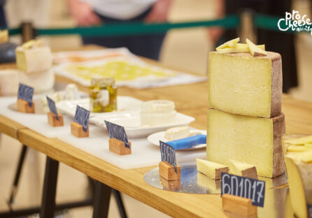 Обрано сир, який представлятиме Україну на міжнародному конкурсі World Cheese Awards