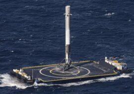 Ілон Маск показав перший плавучий космодром SpaceX. Запуск з платформи запланований на 2022 рік