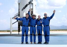 Джефф Безос зробив суборбітальний політ на кораблі New Shepard