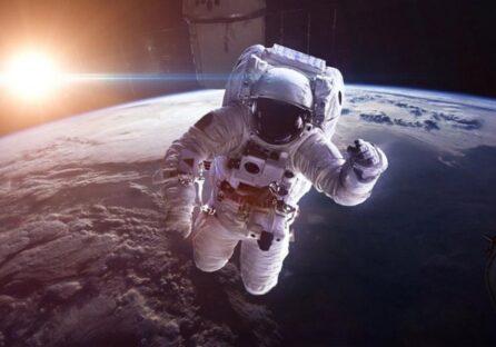 Не тільки Безос і Бренсон: які компанії хочуть відправляти в космос туристів