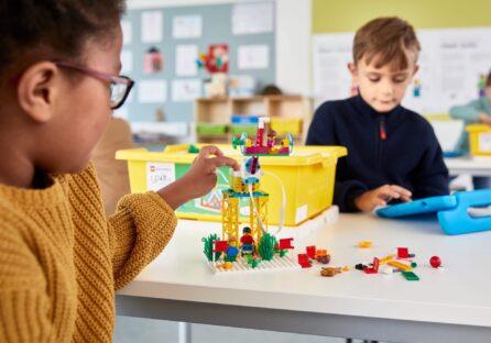 Lego випустила освітній набір, який вчить школярів робототехніці та програмуванню