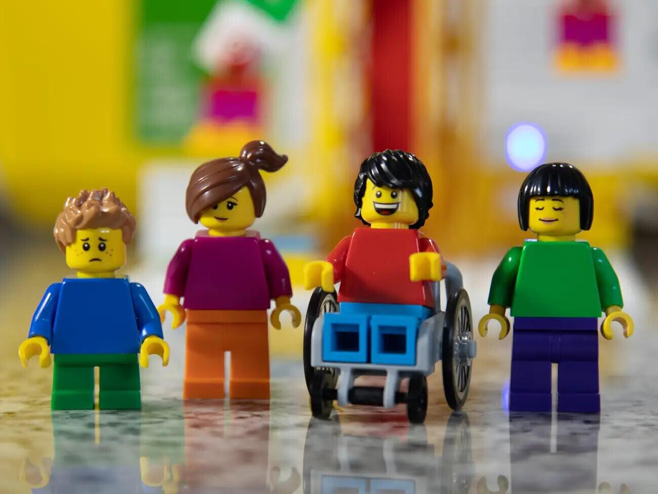 Lego випустила освітній набір, який вчить школярів робототехніці та програмуванню - dity