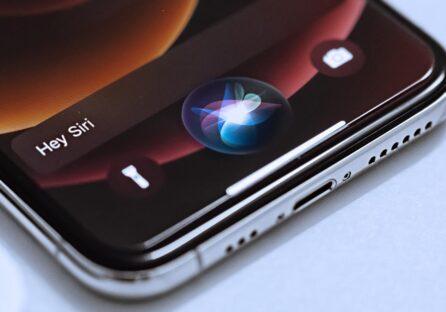 «Ну як так, Siri»: чому голосовий помічник Apple програв Google і Amazon